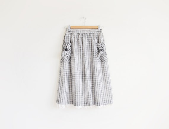 Vintage black and white plaid skirt with crochet.