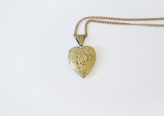 Vintage heart locket necklace.