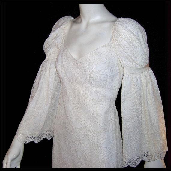 Vintage 1960s mini dress - Medium - white lace wedding dress  - mint condition - huge bell sleeves - boho beauty