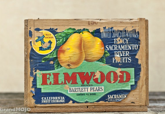 Vintage Wooden Elmwood Brand Bartlett Pear Fruit Crate - storage cottage decor california fruit blue green red letters sacramento box 1940s