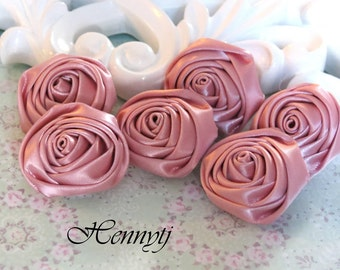 New to the Shop: Set of 6 - 25mm Adorable PETITE Rolled Satin Rose Satin Rosettes Fabric flowers - Vintage Pink