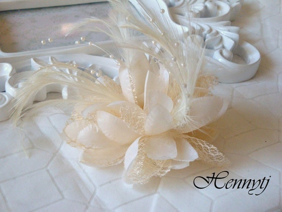 Fashionable Gorgeous feather beads lace flower with pin/hair-tie on the back - Ivory Cream Champagne