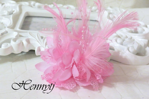 Fashionable Gorgeous feather beads lace flower with pin/hair-tie on the back - Baby Pink