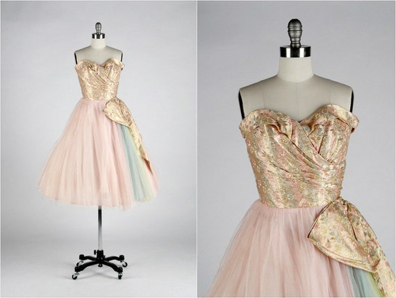 r e s e r v e d // Vintage 1950s Dress . Pink Tulle . Floral . Metallic . Brocade . Strapless . Bow . Rainbow . Shirred . XS/S/M . 1631
