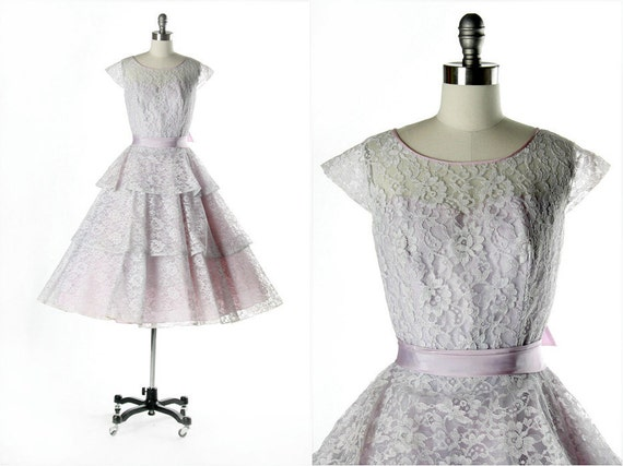 Vintage 1950s Dress . Lilac Lace . Tulle . Full Skirt . Purple . Illusion Bodice . Tiered Skirt . Bow . S/M . 1682