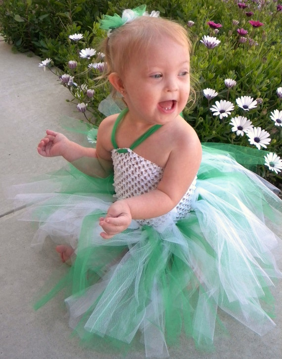 Green and White Tutu Dress with matching hair accessory,st Patrick's day tutu dress,girls tutu dress,girls tutu, flower girl tutu,birthday