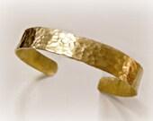 Oro Divino Bracelet-Hammered Brass Gold Cuff Bracelet Gold Bangle Bracelet