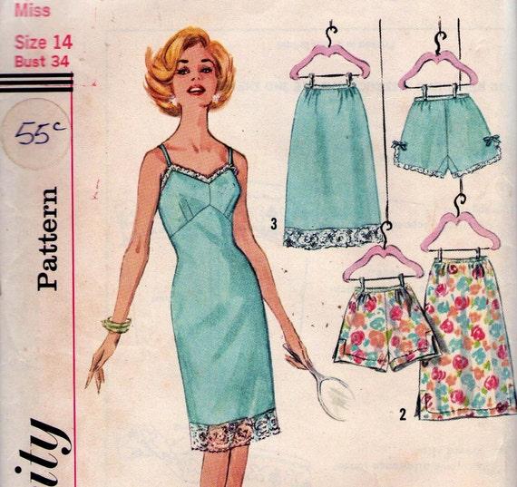 1960s Vintage Lingerie Pattern Slip Half Slip & Panties Size