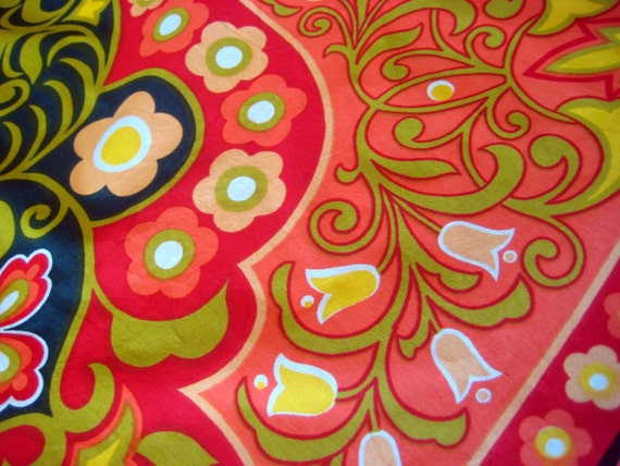 Vintage Table Cloth Bright Flower Power 1970s Cotton