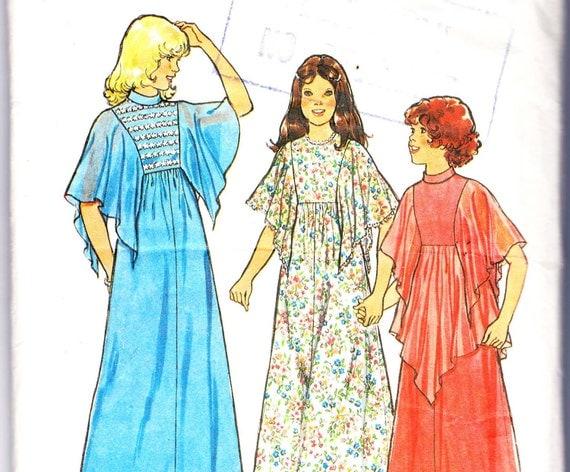 1970s Vintage pattern Girls Boho Caftan Dress Size 10 Breast 28 1/2