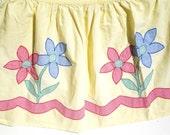 Sunny Vintage Apron with Flower Applique