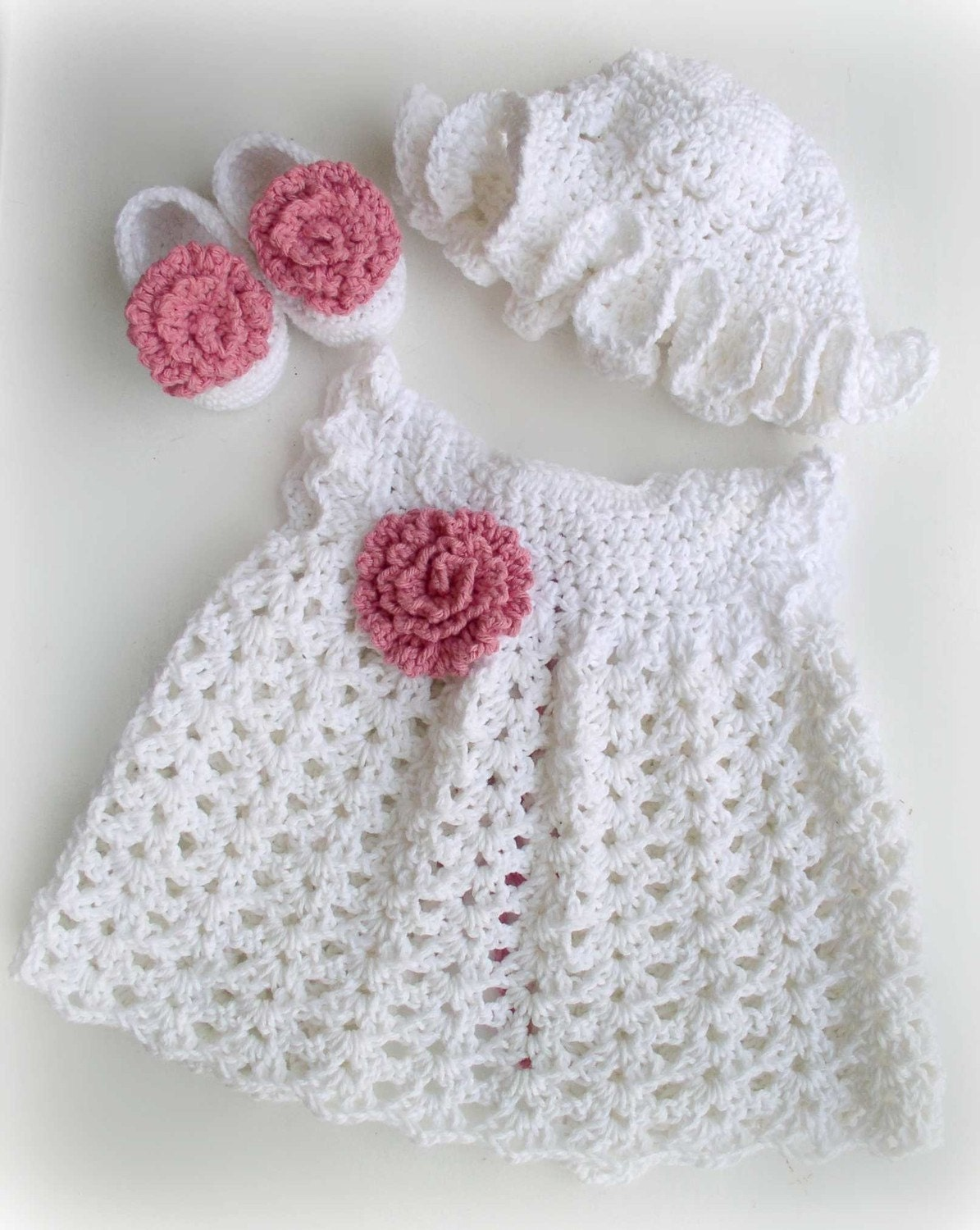– Newborn Baby – Baby Shower – First Birthday – Gift Sets Our beautiful range of baby girl dresses are all made from organic cotton; they are soft, comfy and easy to move around in. From classic pinks to modern greys, they all make stylish baby girl outfits.