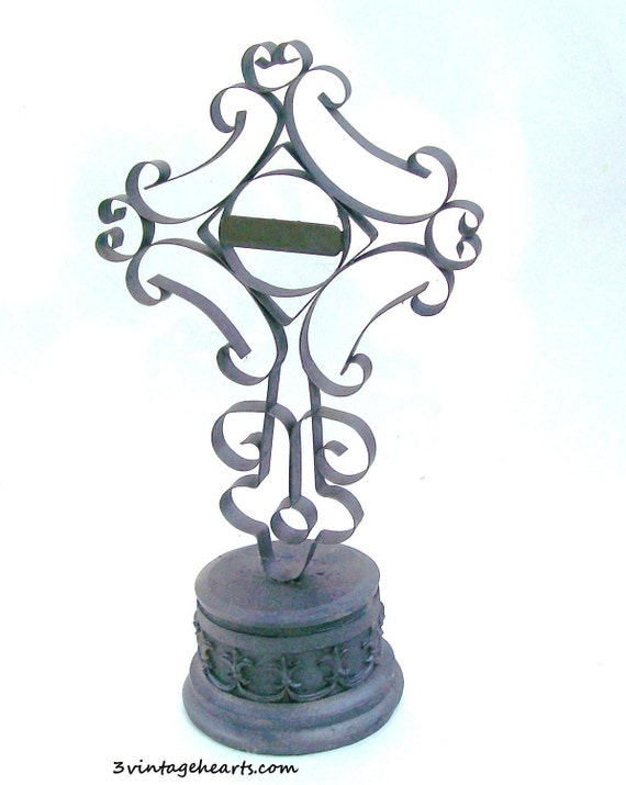 Celtic Cross Statue Figure Shrine . Tombstone. Halloween.Decor Parties