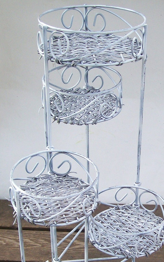 Vintage Wrought Iron Wicker Furniture Table Patio Plant Stand