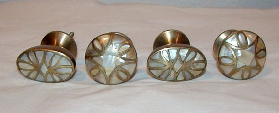 Vintage Lot Of 4 Mother Of Pearl And Brass Cabinet Door Knobs