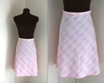 SALE Pink Checker Print Skirt / A Line Skirt /  1960s Skirt (m)