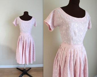 40% OFF SALE 1960s Dress / Day Dress / Full Skirt (s)