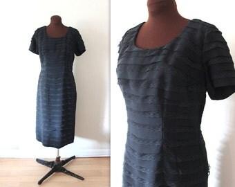 1950s Dress / Wiggle Dress / Black Bombshell Cocktail Dress (l-xl)