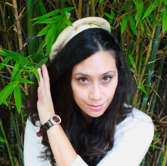 Vintage 1940's 1950's Gold Star Beret with Ribbon in Back