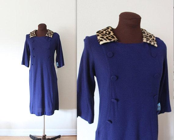 1950's Dress / Wiggle Dress / Faux Leopard Collar (s)