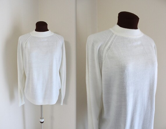 SALE  Raglan Sweater / White Sweater / 1980s Sweater (l-xl)