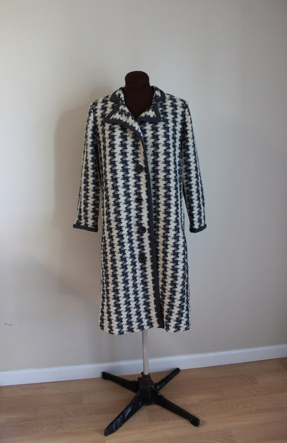 Vintage 1960's Steel Blue and Cream Overblown Houndstooth Swing Coat (xl)