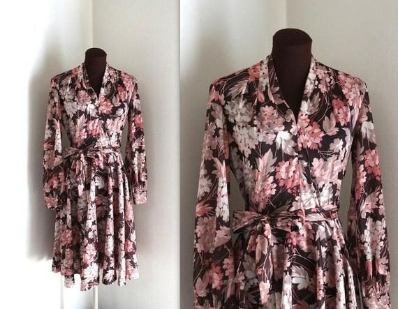 1970s Day Dress / Floral Print Dress / Full Skirt Dress (m-l)