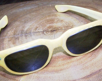 Retro Vintage Cat Eye Prescription Sunglasses Signed Calobar