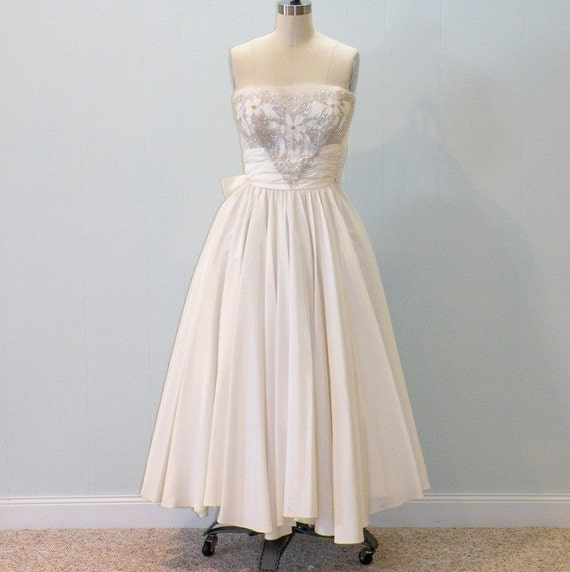 1950s Wedding Dress, 50s Ivory White Strapless Formal Party Dress, Beaded Sequin Sweetheart Bust, Full Circle Skirt, XS Wedding Dress