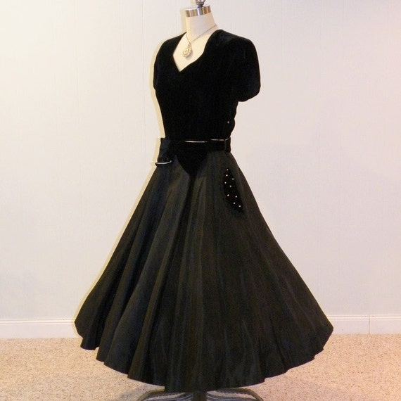 1940s dress 1950s dress black velvet taffeta by for Taffeta wedding dress with pockets