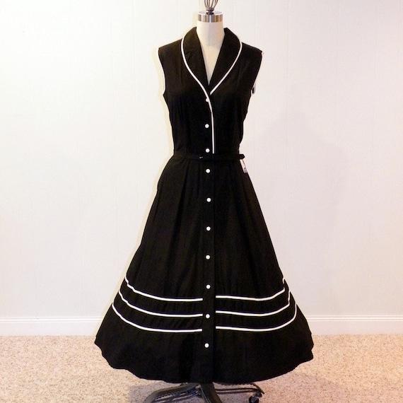 Vintage 1950s Dress, Black & White Stripe Cotton Sun Dress, Belted Waist, Full Skirt, Hey Sailor, Brentwood Cottons, NOS