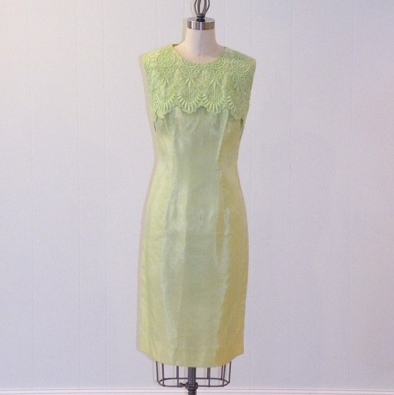 Vintage 60s Dress, Pistachio Green Organza Cocktail Wedding Party Shift Dress, Intricate Scalloped Embroidery, Jackie O