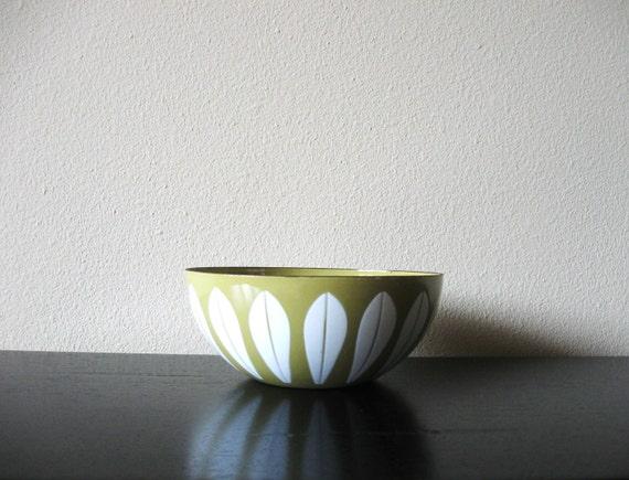 golden mustard cathrineholm enamel bowl