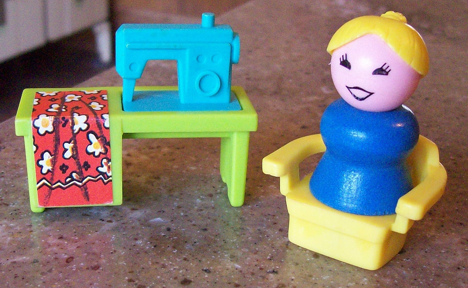 Classic Fisher Price Toys : Vintage fisher price little people toy sewing machine wood