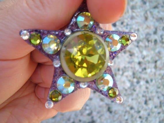 Gimme Green Shining Star glass bead necklace, Rohan, LOTR, glittery star pendant, dance, festival, fun, hippy, funky