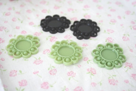5 Round Plastic Settings 27mm 15mm [SET10026] [Bin10A]