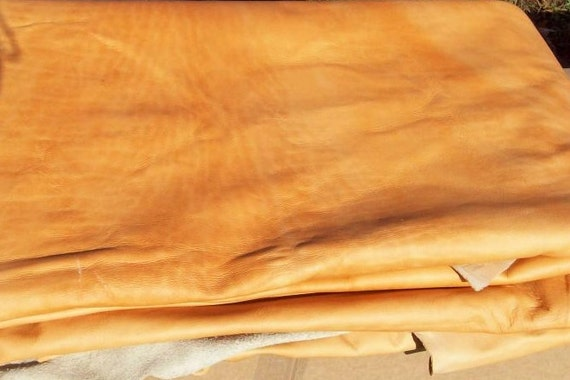 11-23  Distressed Creamsicle Leather Cowhide