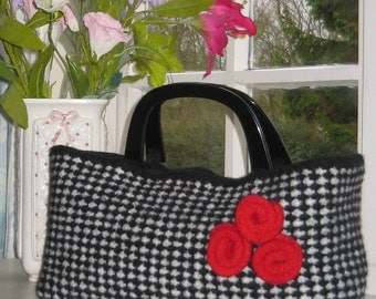 Knitting Pattern - Black & White Dogtooth Check Bag