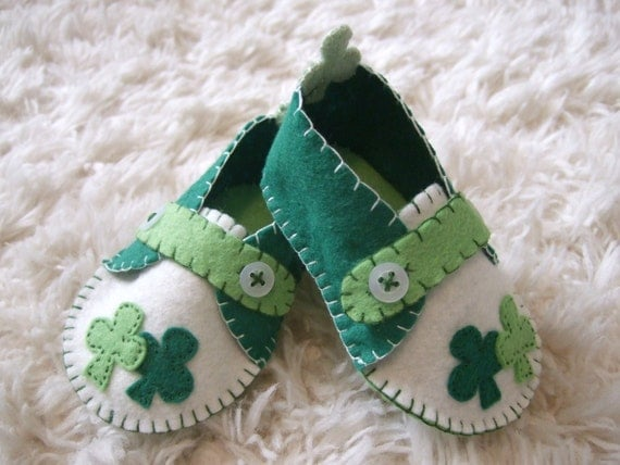 St Patricks Day Baby Loafers - Felt Baby Shoes - Holiday Baby Gift - Can Be Personalized
