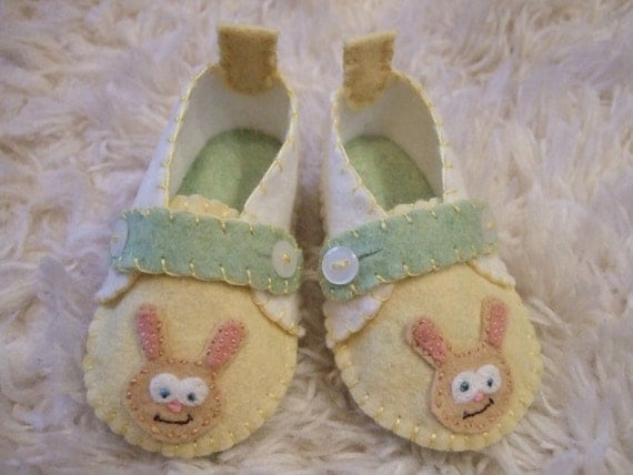 Easter Bunny Slippers - Baby Loafers - Felt Baby Shoes - Can Be Personalized