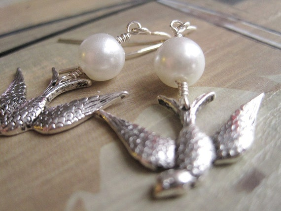 Swallow Earrings, White Pearl Earrings, Pearl Beads and Swallow Charm Earrings, June Birthstone, Bird Charm Earrings, Minimalist Earrings