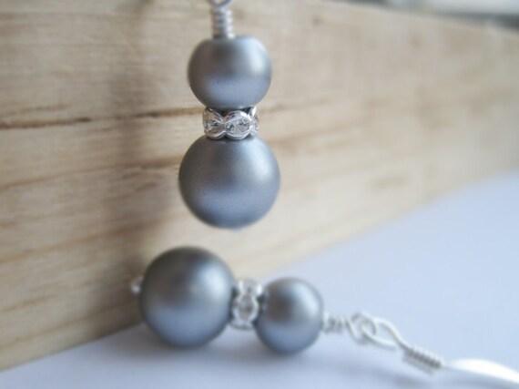 Grey Pearls and Rhinestone Earrings, Bridal Jewelry, Bridesmaids Gift, Pearl Dangles, Wedding Accessory, Wedding Fashion, Maid of Honor Gift