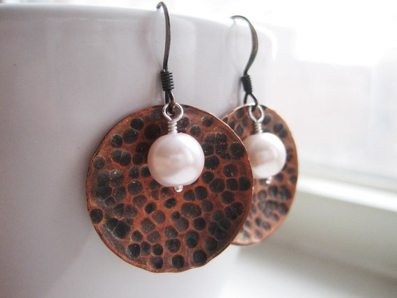 Hammered Copper Domes and Light Pink Pearls, Hand Textured Copper Earrings, Oxidized Metals, Mixed Metal Jewellery, Circular Earrings