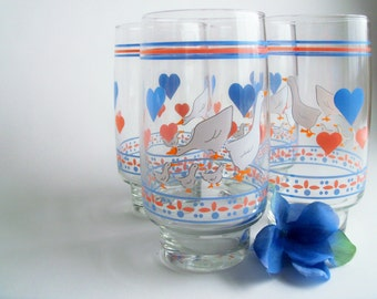 Retro Duck and Heart Drinking Glasses