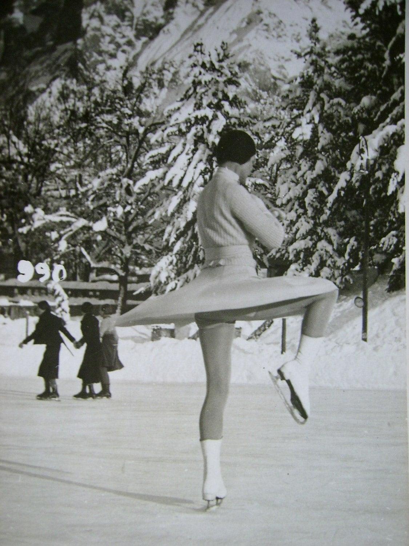Vintage Figure Photography