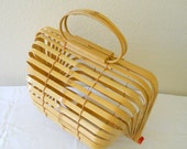 Vintage 1960s Purse -- Unique  Accordian Folded Bamboo Tote -- Beach Bag