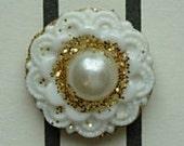 White pearl bindi