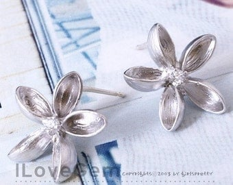 NP-610 Matt.Rhodium-plated, lovely flower earring, 925 sterling silver post, 2pcs