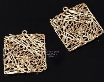 NP-587 Matt Gold plated, Net square pendant, 2pcs