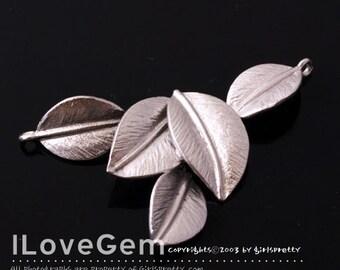 NP-949 Matt Rhodium plated, 5-Leaves pendant, 2pcs